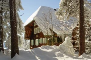 Read more about the article Top 3 Causes Winter Water Damage at Home