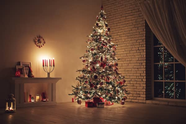 Read more about the article Tree Mold May Be The Cause Of Your Christmas Tree Allergy
